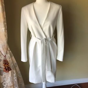 NWOT Finders Keepers White Coat 🧥